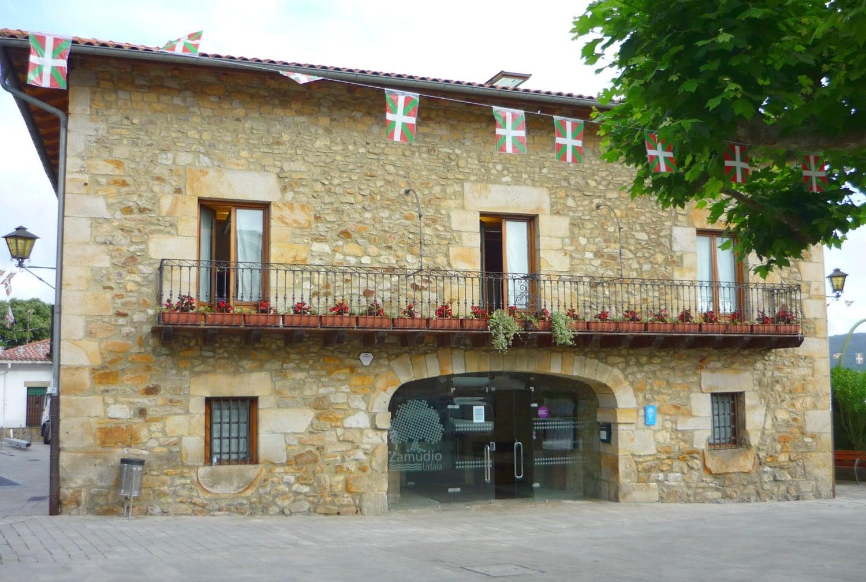 Ayuntamiento de Zamudio - Fachada principal