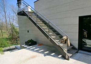 Piscinas en Mungia - Escalera exterior